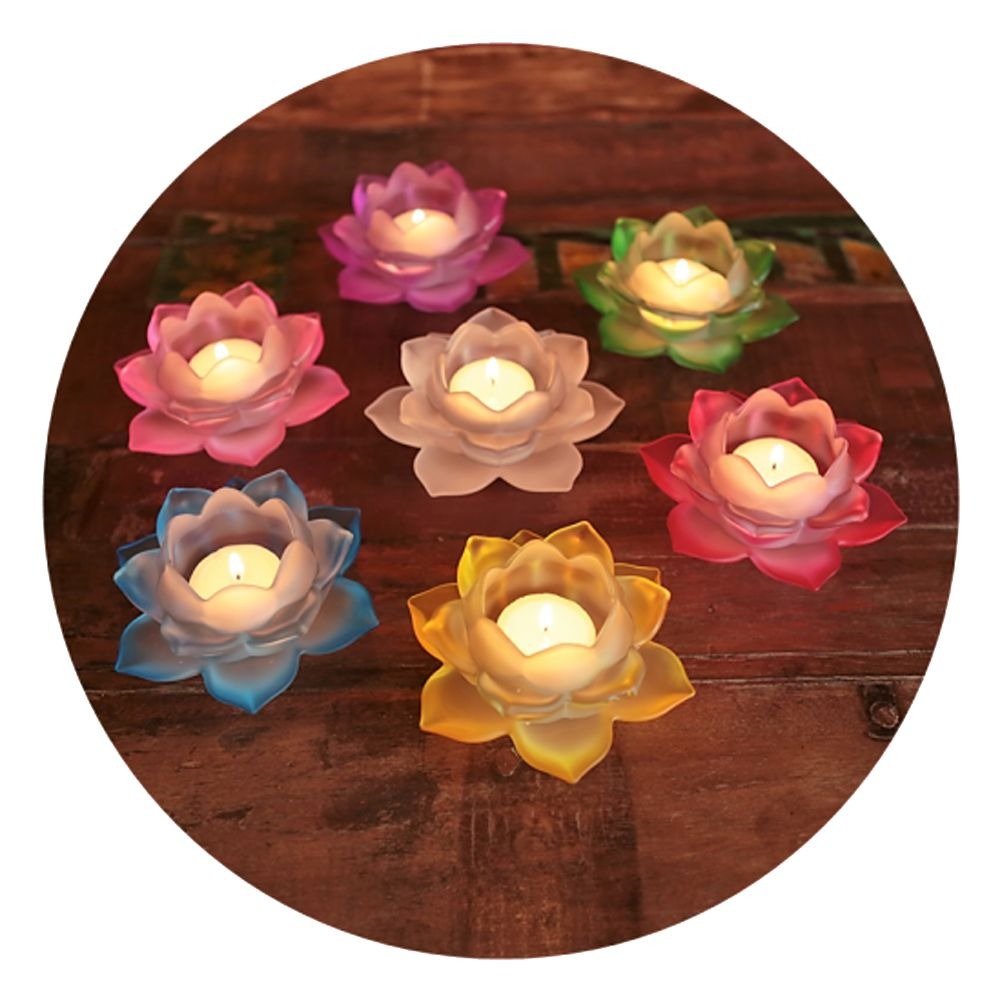 Lotus candle holder in glass
