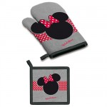 Minnie Mouse potholder and glove set