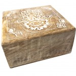 Wood box carved - Hand of Fatma