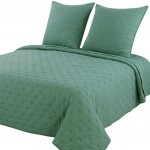 Provencal boutis 240 x 260 cm with pillowcases - color green